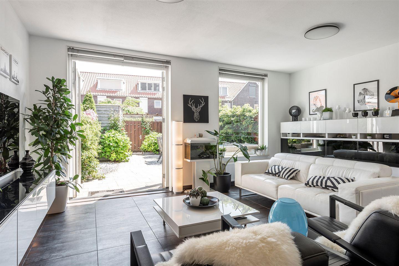 Bekijk foto 3 van Huijgensstraat 73