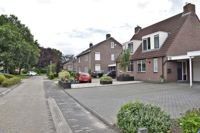 Bekijk foto 2 van Roosje Vosstraat 33