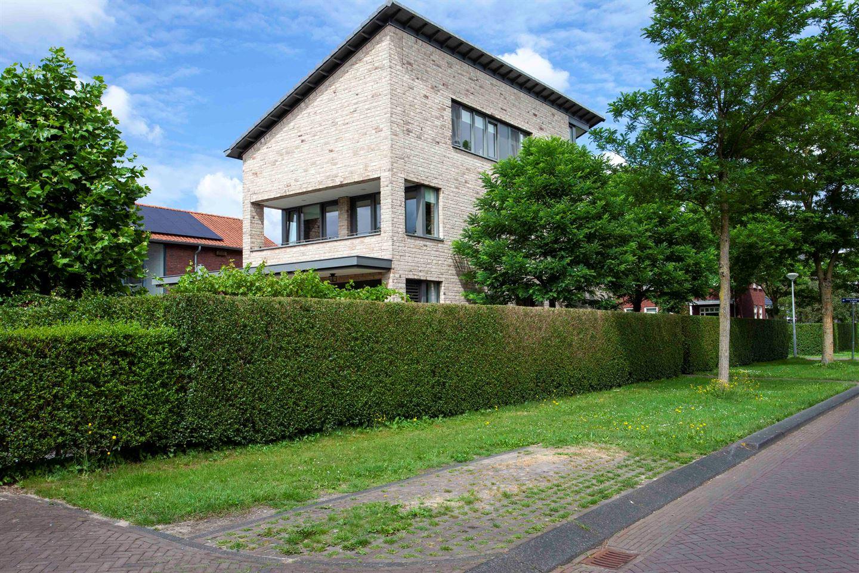 Bekijk foto 3 van Schumanlaan 13