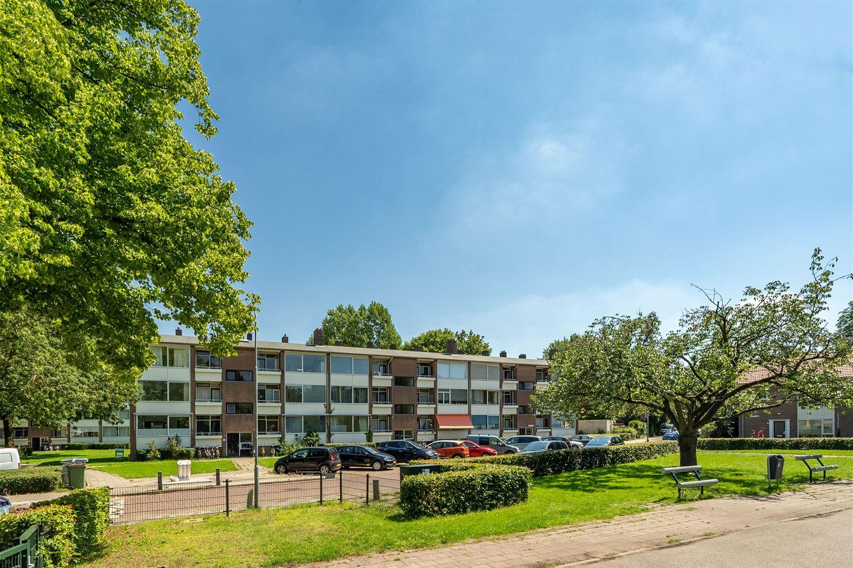 View photo 1 of Bernhardstraat 55 II