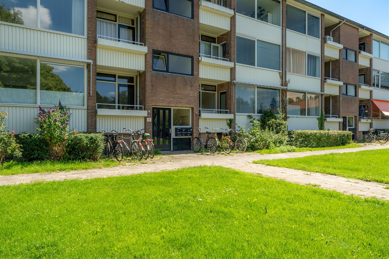 View photo 2 of Bernhardstraat 55 II