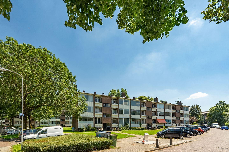 View photo 3 of Bernhardstraat 55 II