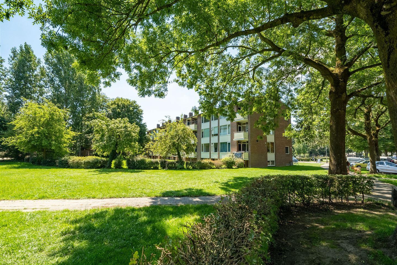 View photo 4 of Bernhardstraat 55 II