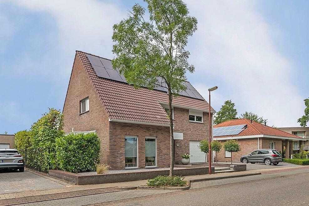 Bekijk foto 2 van Gravenweg 137