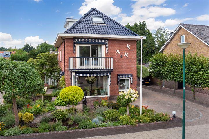 Van der Duyn van Maasdamstraat 14