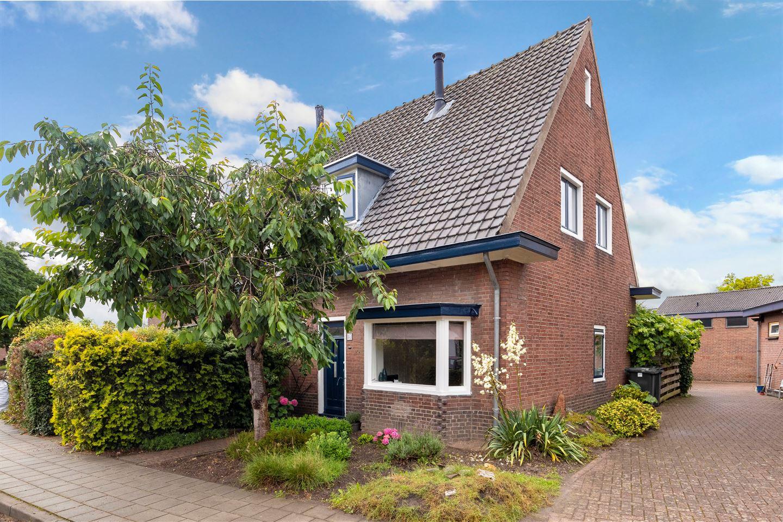 Bekijk foto 1 van Methorsterweg 2 C