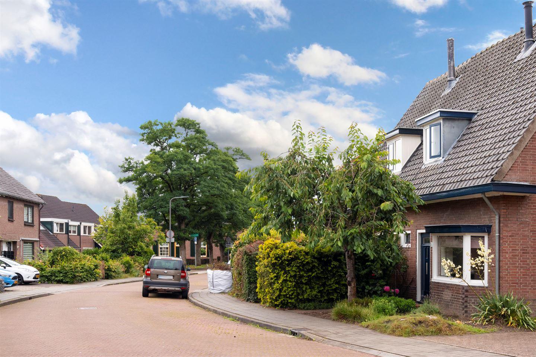 Bekijk foto 2 van Methorsterweg 2 C