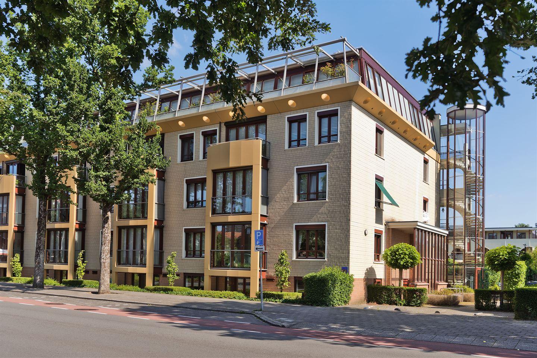 Bekijk foto 1 van Mr. G. Groen van Prinstererlaan 99