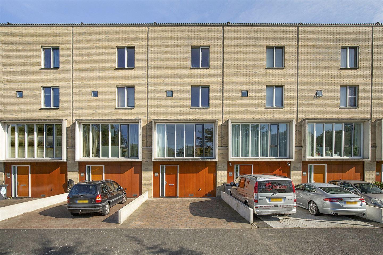 Bekijk foto 2 van Raoul Wallenbergstraat 58