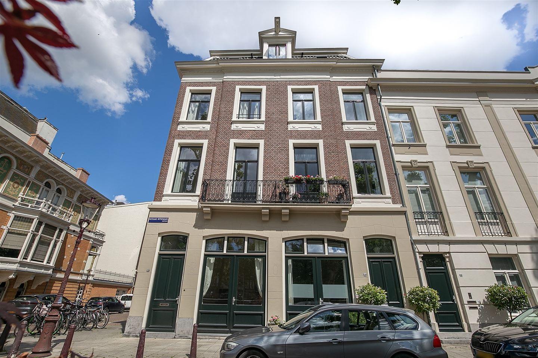 Bekijk foto 2 van Nicolaas Witsenkade 39 H