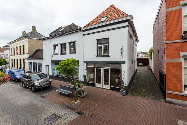 Prof van Ginnekenstraat 13