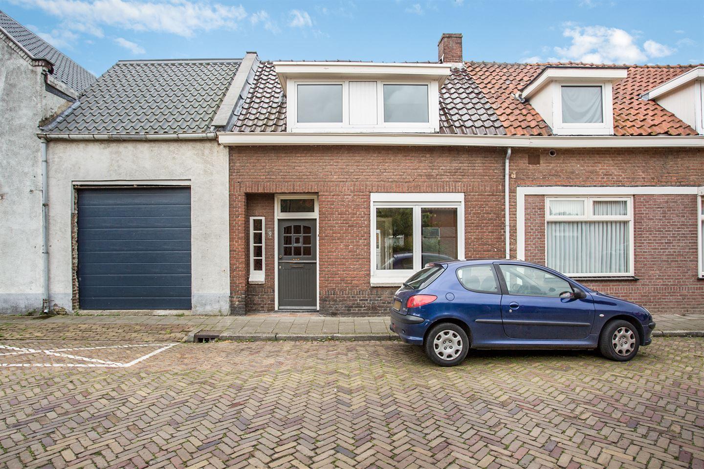 Bekijk foto 1 van Graaf Ansfriedstraat 5