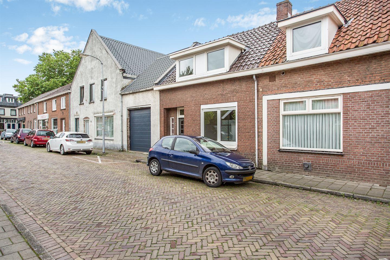 Bekijk foto 2 van Graaf Ansfriedstraat 5
