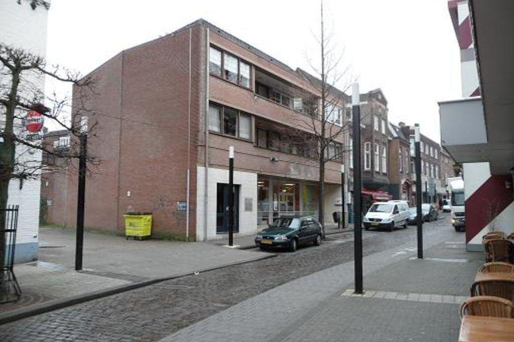 Bekijk foto 2 van Hoofdstraat 32
