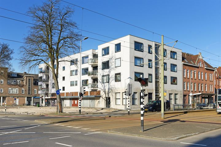 Dorpsweg 19, Rotterdam