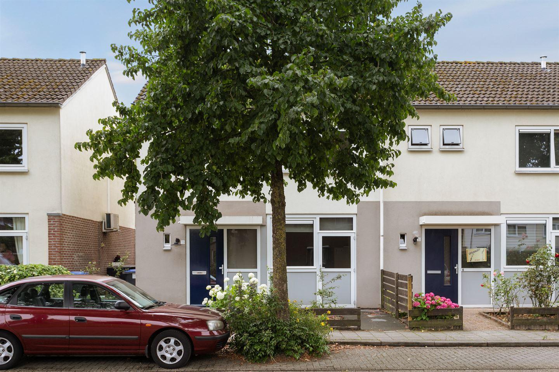 Bekijk foto 2 van Spreeuwenhof 13