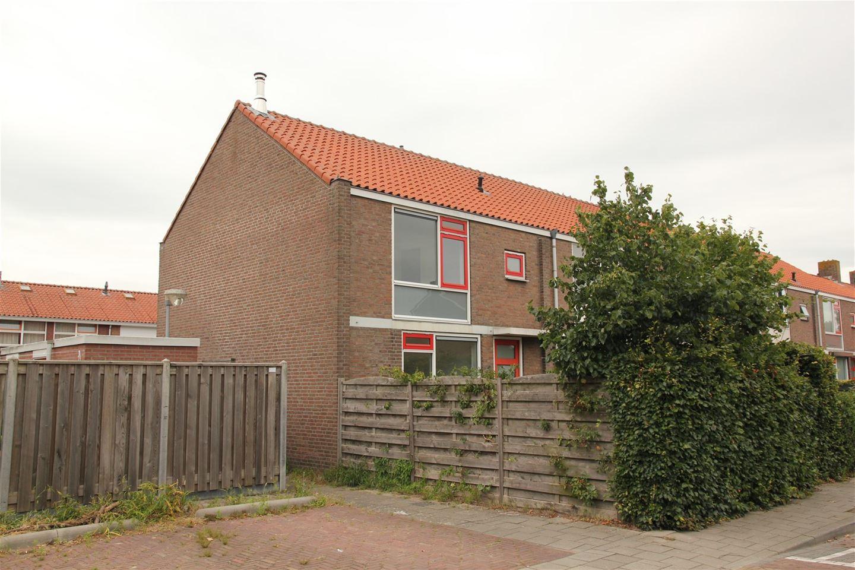 View photo 1 of Begoniastraat 38