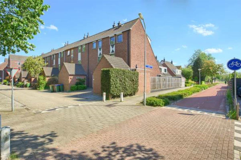 Bekijk foto 2 van Pieter de Hooghstraat 60
