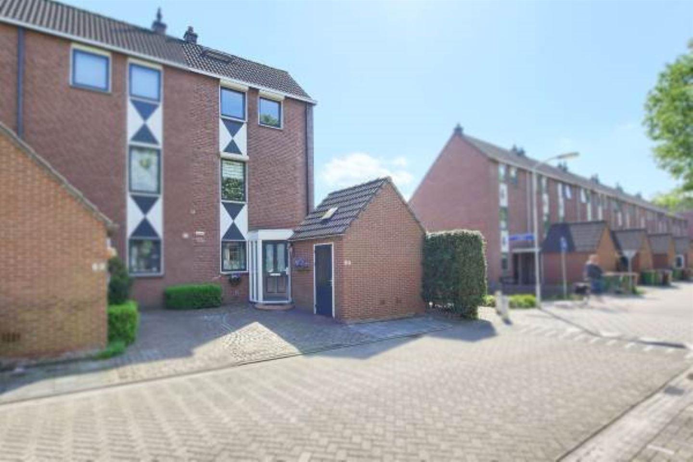 Bekijk foto 1 van Pieter de Hooghstraat 60