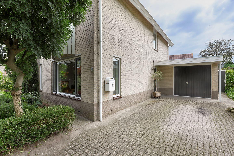 Bekijk foto 3 van Helmhout 48