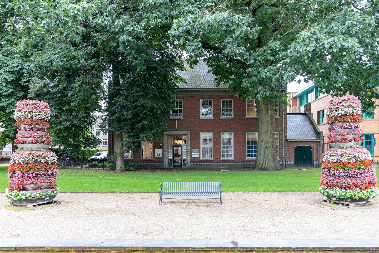 Bekijk foto 1 van Raadhuislaan 2 a