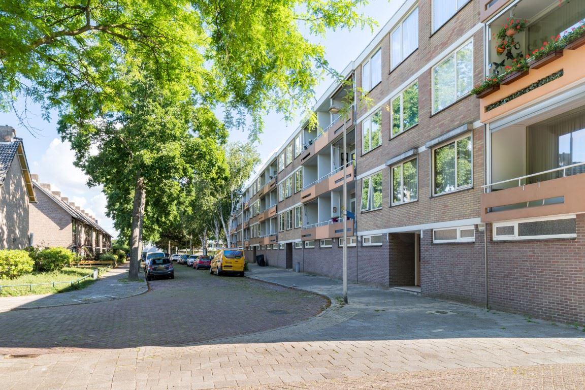 Bekijk foto 2 van Generaal van Teynstraat 36