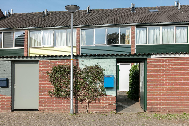 Bekijk foto 2 van Karel Doormanstraat 52