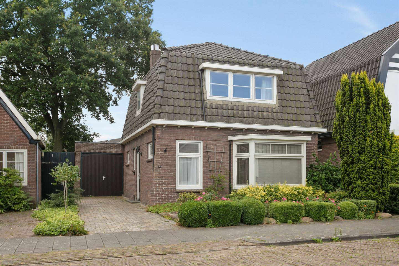Bekijk foto 2 van Bosstraat 31