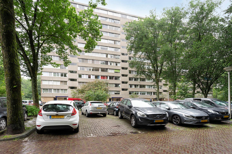 Bekijk foto 1 van Aart van der Leeuwlaan 1094