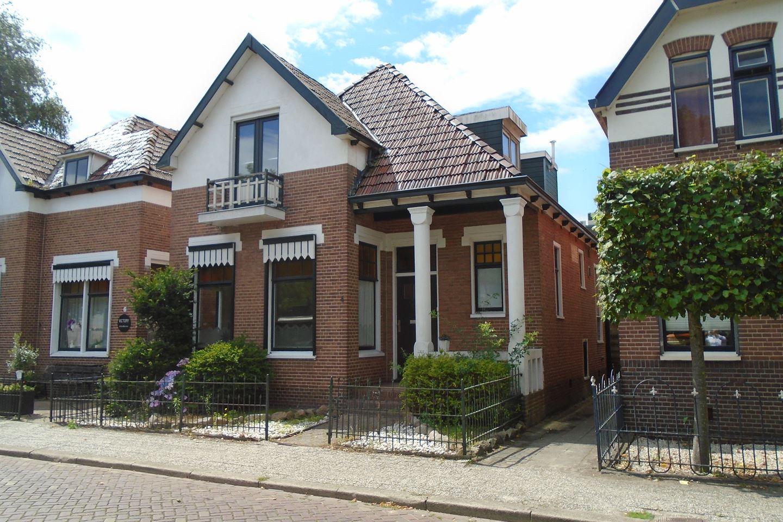 Bekijk foto 1 van Prins Hendrikplein 4