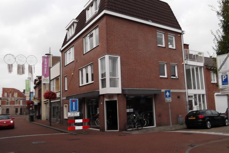Bekijk foto 2 van Raadhuisstraat 111