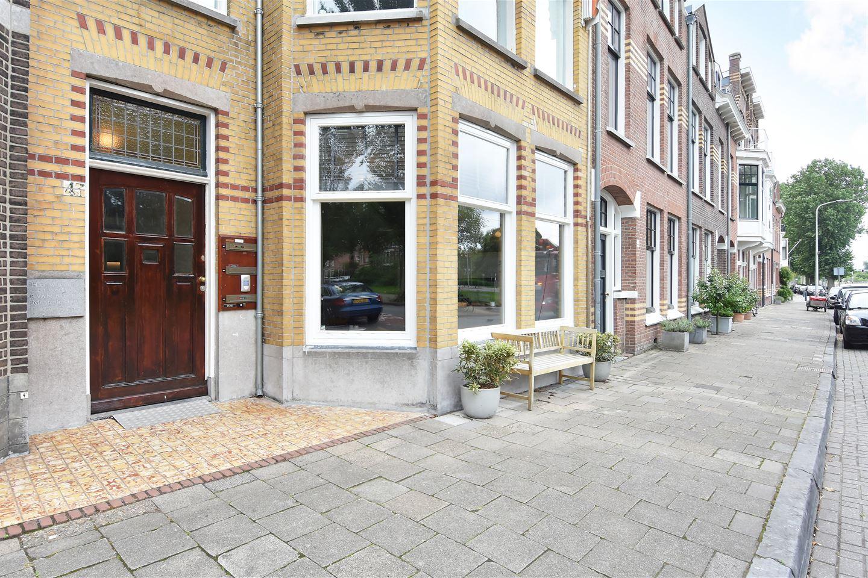 Bekijk foto 2 van Van Boetzelaerlaan 43