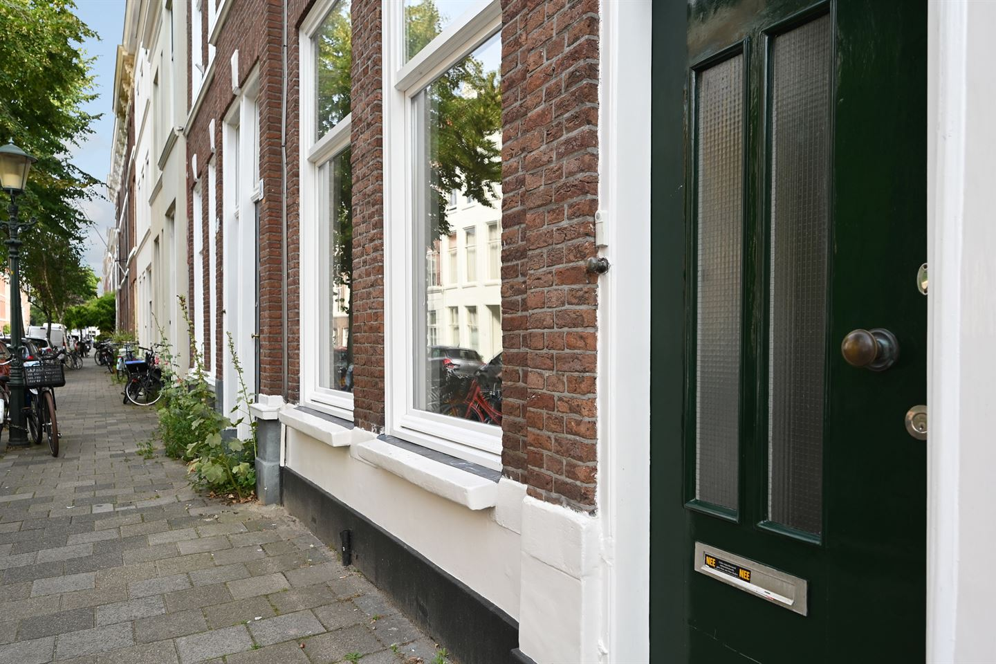 View photo 3 of Jacob van der Doesstraat 47