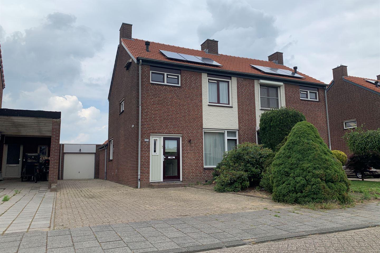Bekijk foto 1 van van Broekhuizenstraat 29