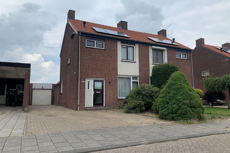 Bekijk foto 2 van van Broekhuizenstraat 29