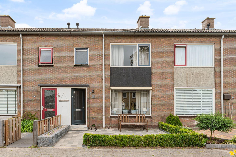 Bekijk foto 1 van Baarlelaan 43