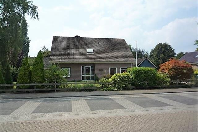 Burg.van der Grondenstraat 77