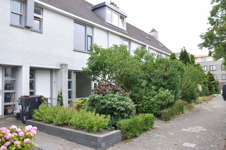 Bekijk foto 2 van Johan Wagenaarlaan 7