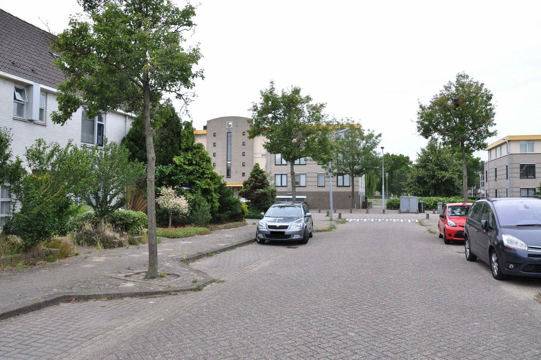 Bekijk foto 3 van Johan Wagenaarlaan 7