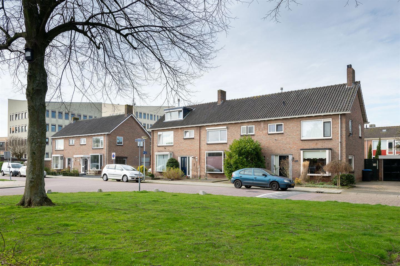 Bekijk foto 2 van Maasstraat 20
