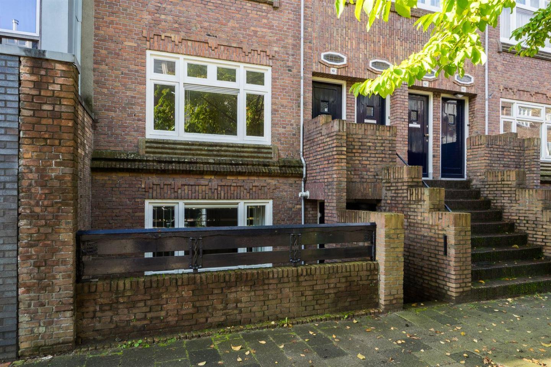 Bekijk foto 1 van Admiraal van Gentstraat 10