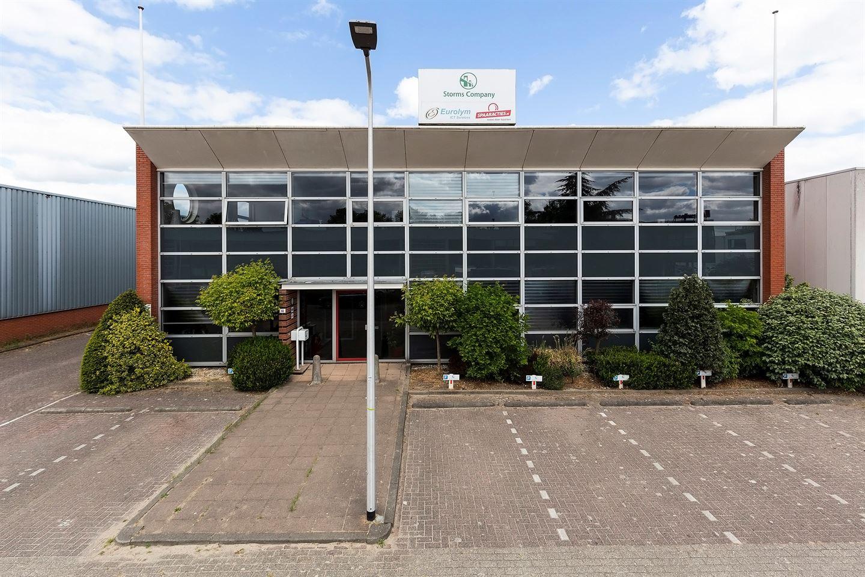 Bekijk foto 2 van Van der Giessenweg 40