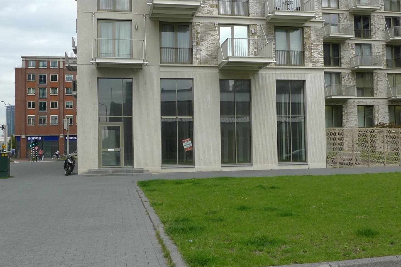 Bekijk foto 2 van Johan van Veenplein 3