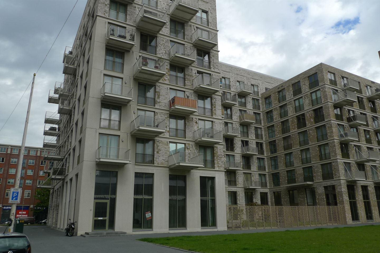 Bekijk foto 1 van Johan van Veenplein 3