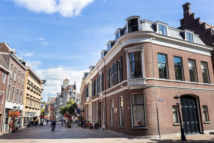Domstraat 54