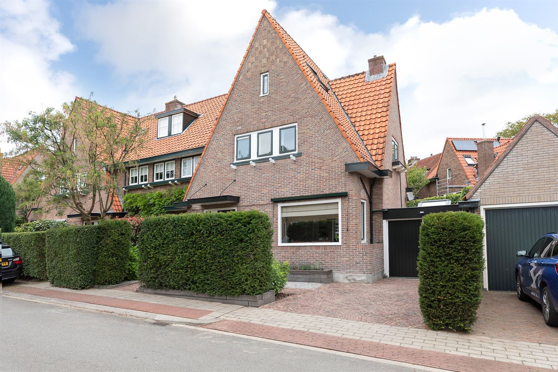 Bekijk foto 1 van Govert Flincklaan 25