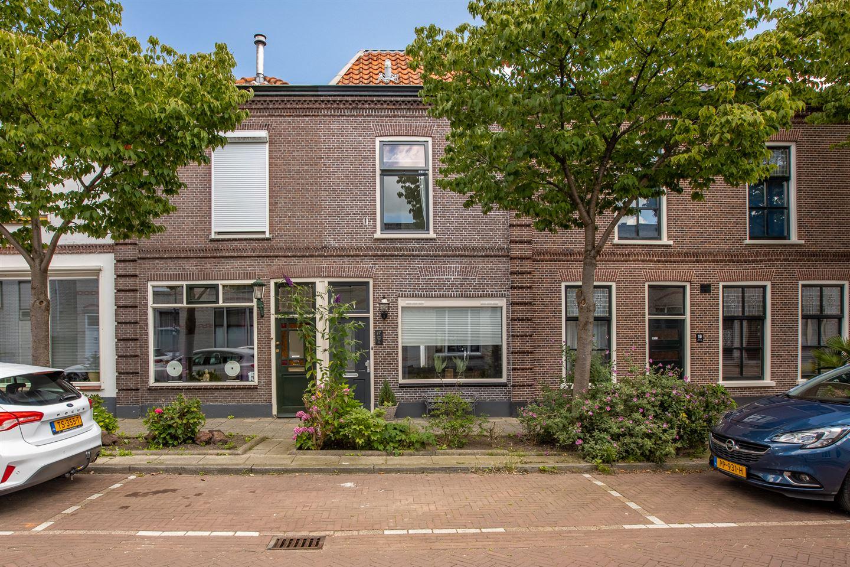 Bekijk foto 1 van Prinses Beatrixstraat 17
