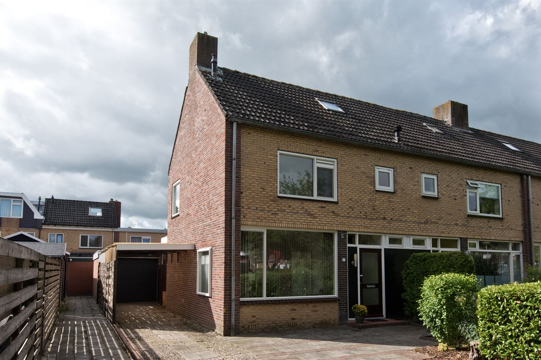 View photo 1 of Hendrik Lofversstraat 2