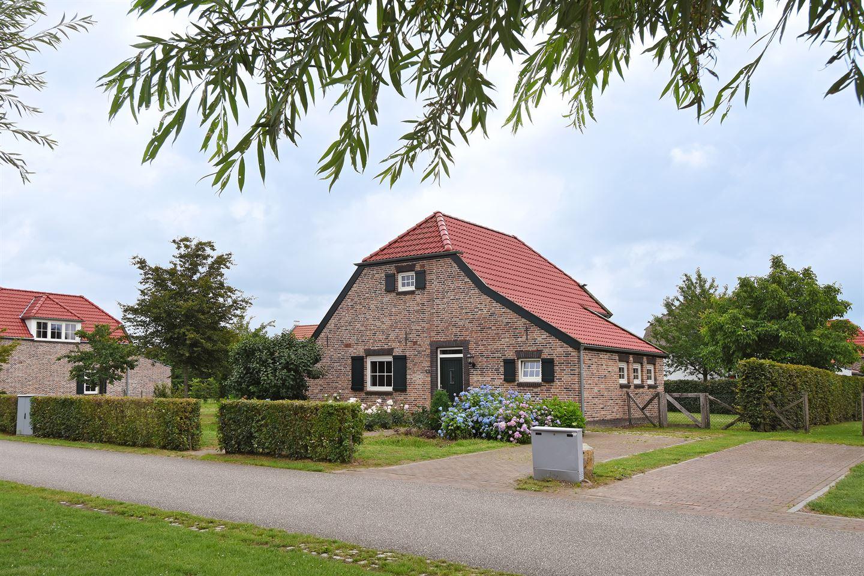 Bekijk foto 1 van Buitenhof de Leistert 14