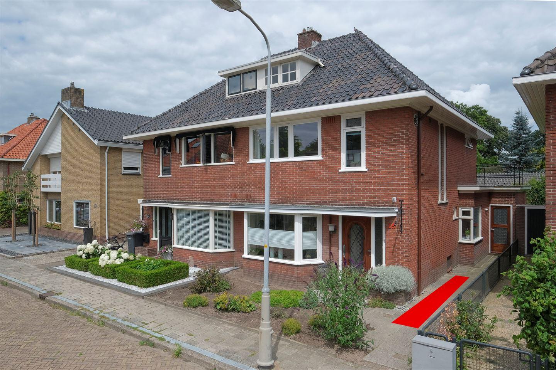 Bekijk foto 1 van IJsselstraat 16
